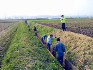 農業用水路掃除